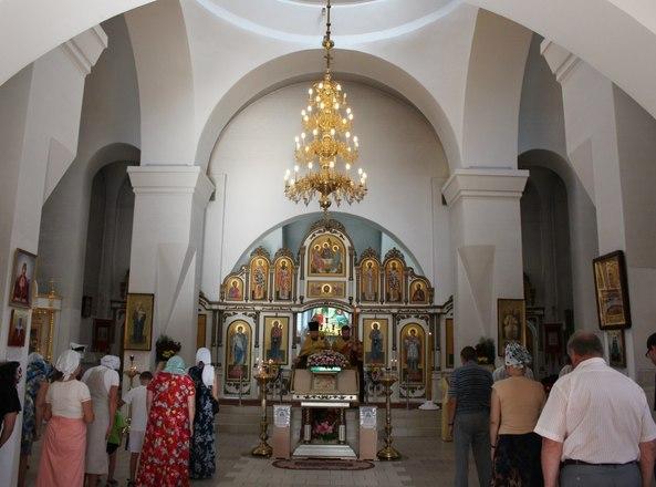 Епископ Вениамин  возглавил вечернее богослужение в кафедральном соборе святого Александра Невского
